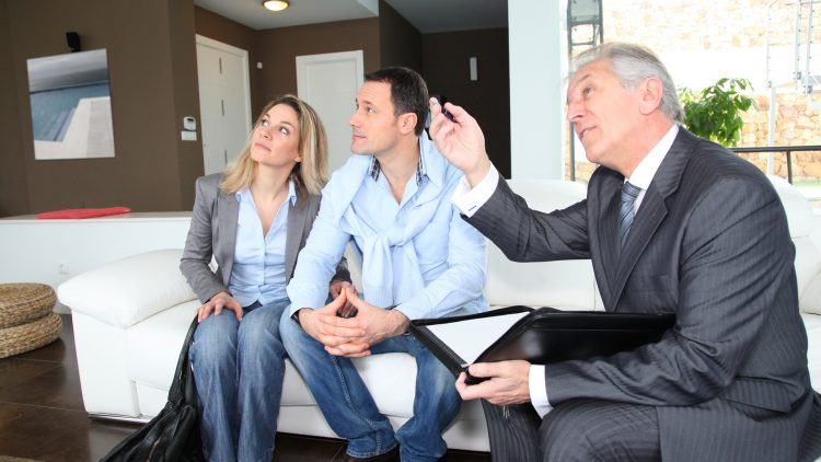 8 tips for first time property buyers